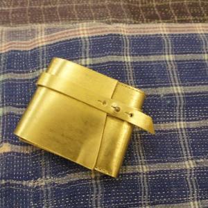 SARANAM (サラナン) エコムラレスレザーコンパクト江戸巻財布 ゴールド abracadabra
