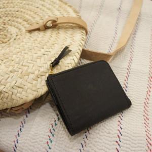 SARANAM (サラナン) プエブロレザーL字コンパクト財布 ブラック|abracadabra