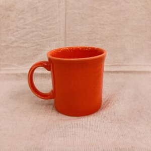 Fiesta マグカップ オレンジ|abracadabra