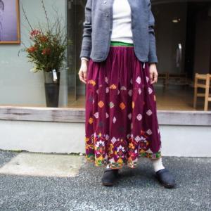 グジャラート刺繍ギャザーロングスカート YYPE:B|abracadabra