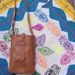 mirasol India バッファローレザー ポケットバッグ|abracadabra
