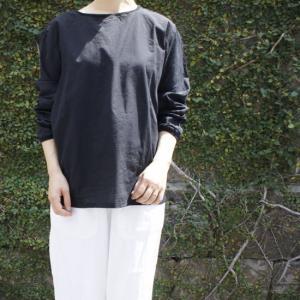 motone 綿麻クルーネックシャツ ブラック|abracadabra