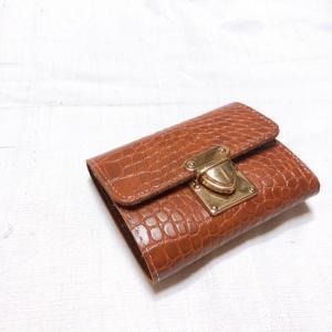 TOPANGA BAG クロコ型押しコンパクト財布 ブラウン|abracadabra
