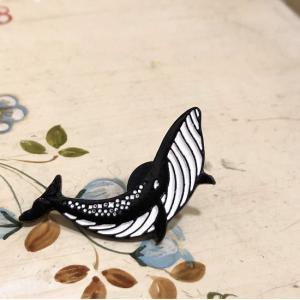 TOPANGA FASHION ピンブローチ クジラ|abracadabra