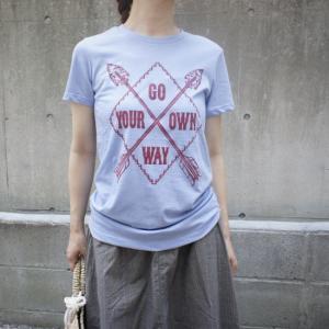 ハンドプリントTシャツ GO YOUR OWN WAY|abracadabra