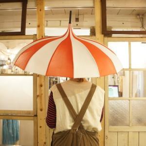 TOPANGA FASHION サーカステントパゴダ雨傘 ストライプ/レッド|abracadabra