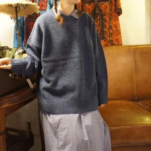 Tissu 英国羊毛 ユニセックスプルオーバー ブルー|abracadabra