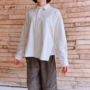 UNIVERSAL TISSU 東炊きシャツカラースクエアシャツ キナリ|abracadabra