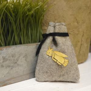 SAJAVAT Japan 虫の真鍮ブローチ|abracadabra