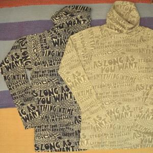 BINDU(ビンドゥー) メッセージプリントハイネックTシャツ 2色|abracadabra