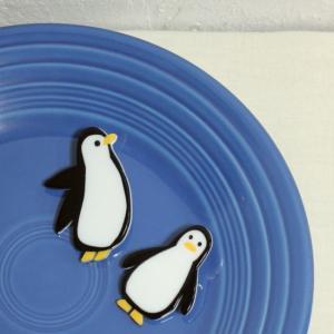 ほのぼのアクリルバッジ 空飛ぶペンギン/正面ペンギン|abracadabra