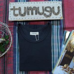 tumugu(ツムグ) Uネック長袖プルオーバーカットソー ブラック|abracadabra