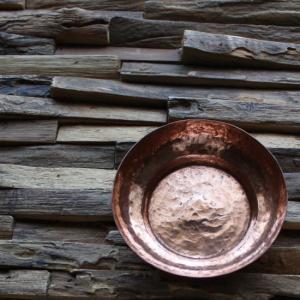 味わい深い銅製の茶托|abracadabra