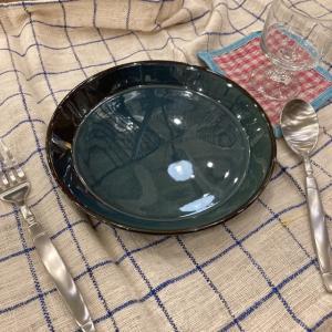 深いブルーの丸プレート 20.2cm|abracadabra