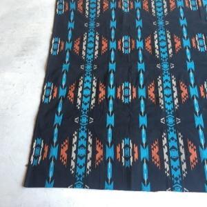 ネイティブフロアラグ 140×200cm ブルー abracadabra