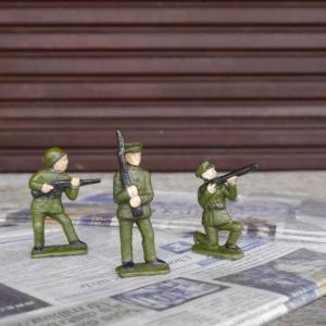 小さな兵隊さんのアイアンオブジェ 全3種|abracadabra