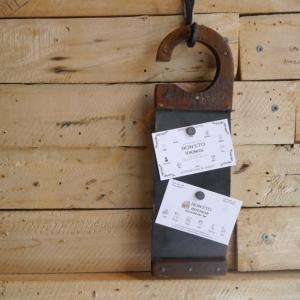 鉄と木の引っ掛けメッセージボード|abracadabra