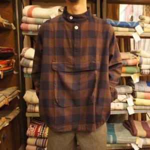 LOLO(ロロ) ブロックチェックアノラックシャツブルゾン ブラウン|abracadabra
