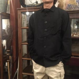 LOLO デカボタンシャツ ブラック|abracadabra