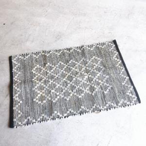 レザー裂き織りマット  60×90cm ホワイト|abracadabra