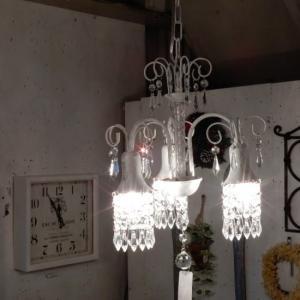 アナナス3灯シャンデリア ホワイト|abracadabra