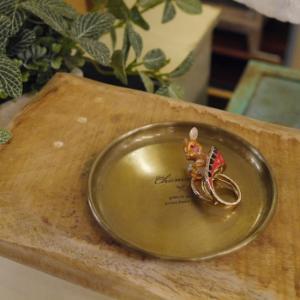 穏やかな金色トレイ ラウンドS|abracadabra