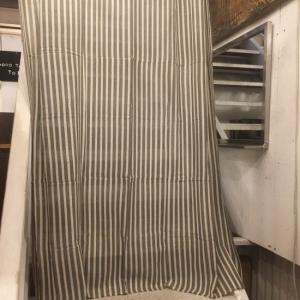 ストライプ柄イタワ織りマルチクロス 150×225cm グレー×ベージュ|abracadabra