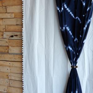 TOPANGA INTERIOR COTTON CANVAS POMPOM CURTAIN コットンキャンバスポンポンカーテン W105xH240cm|abracadabra