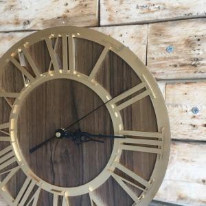 TOPANGA Wall Clock Retro Gold abracadabra