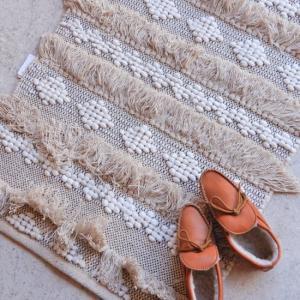 TOPANGA INTERIOR 手織りのコットンスモールマット  サレ 60×90cm|abracadabra