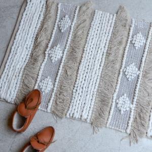 TOPANGA INTERIOR 手織りのコットンスモールマット 60×90cm|abracadabra