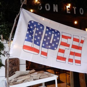 TOPANGA INTERIOR Shop Sign Flag/American Open Flag|abracadabra