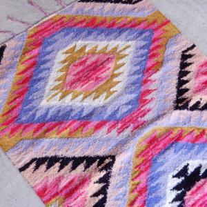 TOPANGA INTERIOR 手織りのコットンフロアラグ 120×180cm|abracadabra