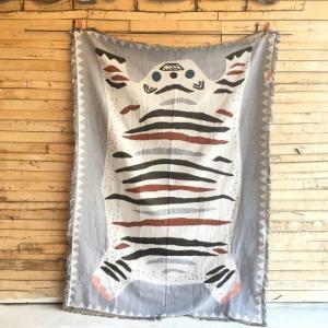 ホワイトタイガーのスローケット 150×210cm|abracadabra