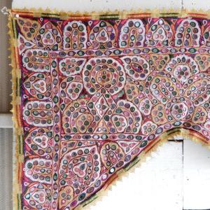 グジャラートミラー刺繍トーラン タイプA|abracadabra