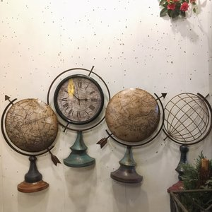 Glove Wall Clock|abracadabra