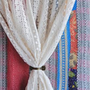 フラワーレースカーテン 105x90cm|abracadabra
