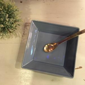 優しい青のスクエアプレート 18.6cm|abracadabra