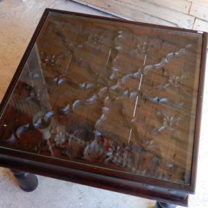 古い木彫刻のローテーブル|abracadabra