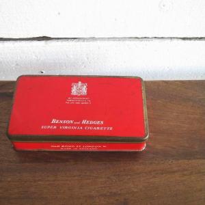 イギリスの真っ赤なアンティークシガレットケース|abracadabra