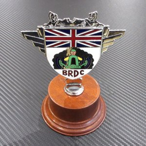 British Racing Drivers' Club ブリティッシュ レーシング モーター クラブ カーバッジ グリルバッジ 台座付き ac-minds-aj