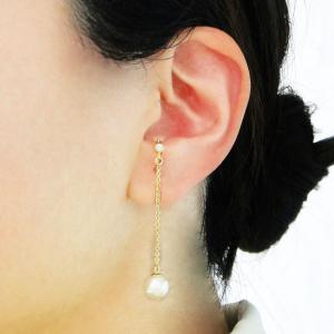 痛くないイヤリング ゴールド ロングチェーンとコットンパールの揺れ感イヤリング ピナチョコ|accessoryjapan
