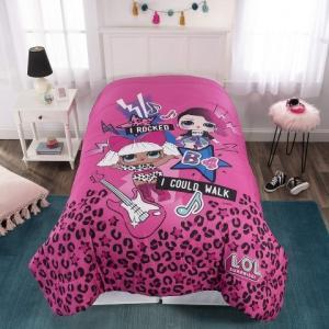 今、大人気のL.O.L. サプライズ!のキュートな掛け布団です。ピンクとパープルのリバーシブルタイプ...