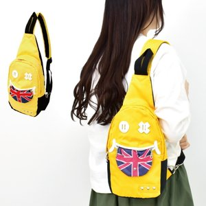 ボディバッグ ボディ バッグ ワンショルダーバッグ スマイル ベロ イギリス ボディバッグ|actionbag