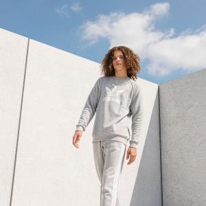 全品送料無料! 08/14 17:00〜08/22 16:59 返品可 アディダス公式 ウェア トップス adidas トレフォイル クルーネックスウェット|adidas