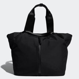 人気の女性向けバッグが、「折り」をイメージした新デザインで再登場。 すっきりとしたミニマルデザインの...