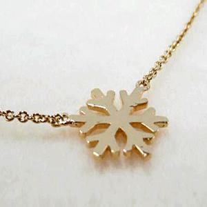 シルバー925 ペンダント ネックレス  GOLD雪の結晶モチーフ|ai-fujinomiya