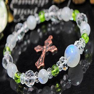 ペリドット ブレスレット ムーンストーン 水晶 パワーストーン 天然石 誕生石|ai-fujinomiya