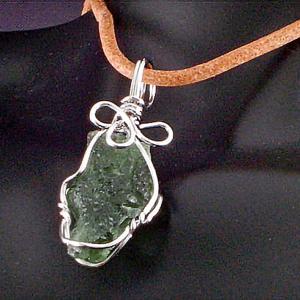 モルダバイト 隕石 ワイヤーラップ ペンダント ネックレス パワーストーン 天然石6|ai-fujinomiya