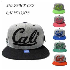 #31 CALI スナップバックキャップ(グレーベース/筆記体)大人サイズ 全6色 帽子 aicamu